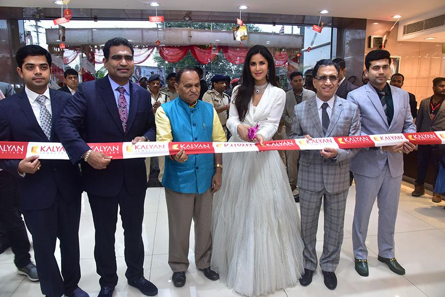 Kalyan Jewellers opens 100th India showroom at Ranchi