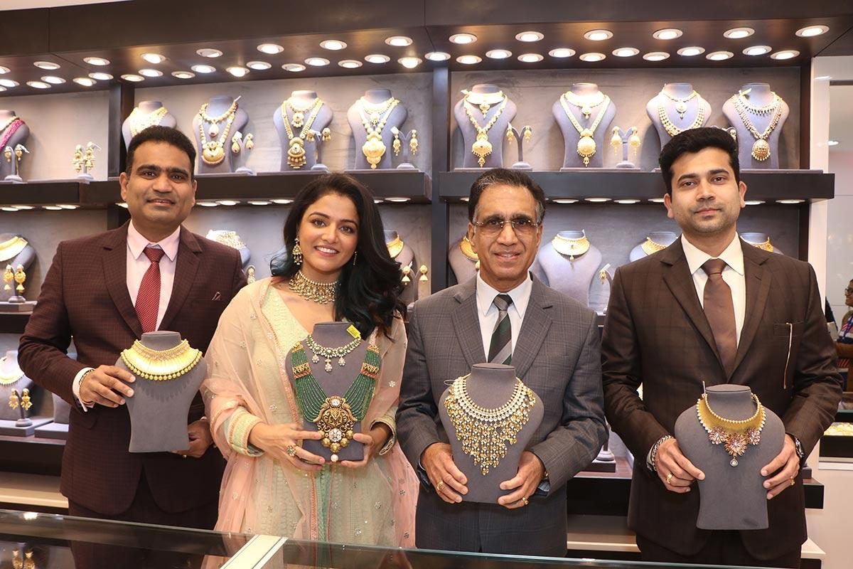 Kalyan Jewellers wins the prestigious Superbrands 2019-20 title as India's most preferred jewellery brand